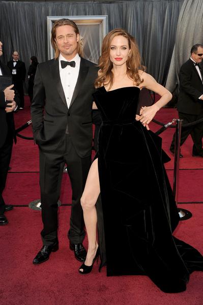 Фото №10 - Джоли снова обвинила Питта в домашнем насилии и готовит детей дать показания против отца