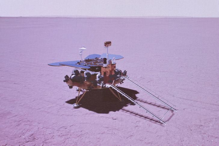 Фото №1 - Китайский марсоход высадился на Красную планету