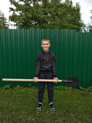 Фото №3 - Спорт на грядке: 5 крутых упражнений с лопатой