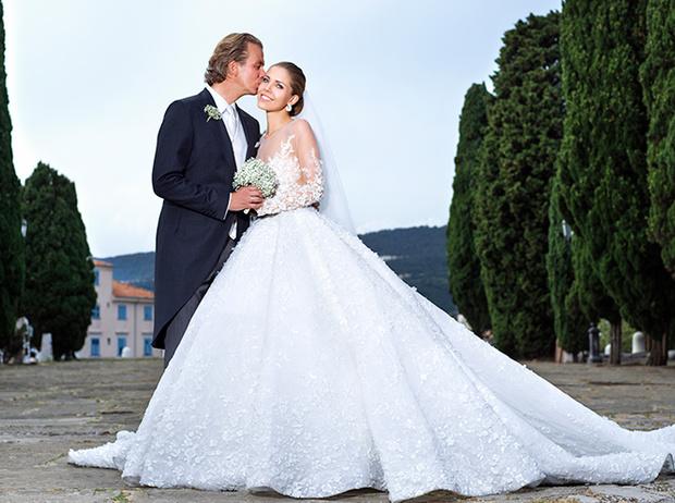 Фото №24 - 16 самых известных, красивых и дорогих свадебных платьев за всю историю