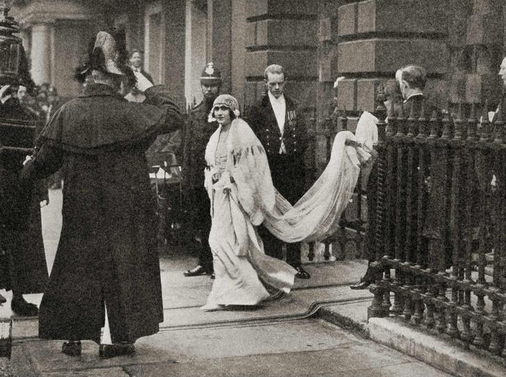 Фото №8 - По стопам Виктории: самая красивая традиция королевских невест прошлого