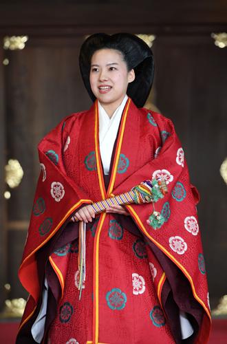 Фото №7 - В Японии стало на одну принцессу меньше (и на одну счастливую девушку больше)