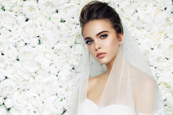 Фото №1 - Тест: какое свадебное платье вам подойдет?