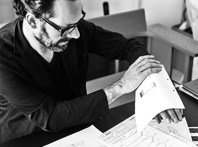 Фото №2 - Монохромный минимализм: легендарные часы Ceramica от Rado в новом дизайне