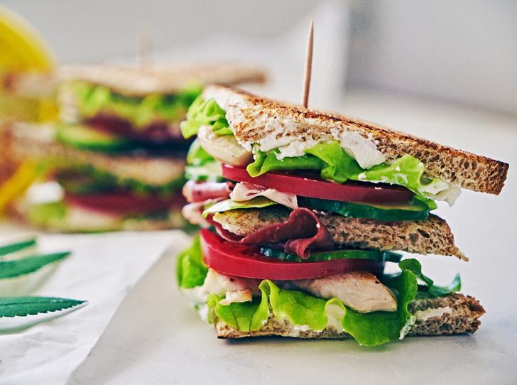 Фото №1 - Легкий перекус: три быстрых и полезных закуски с творожным сыром