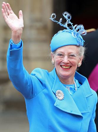 Фото №4 - Битва драгоценностей: у какой европейской королевы украшения дороже и роскошнее, чем у Елизаветы