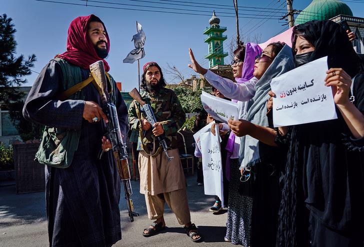 Фото №1 - Что за месяц сделали талибы с Афганистаном (красноречивые фото)