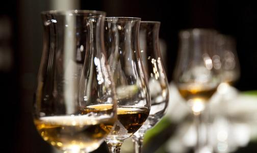 Фото №1 - Главный нарколог Минздрава назвал треть россиян «тихими алкоголиками»