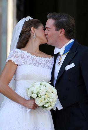 Фото №24 - Самые трогательные моменты королевских свадеб (о Гарри и Меган мы тоже не забыли)