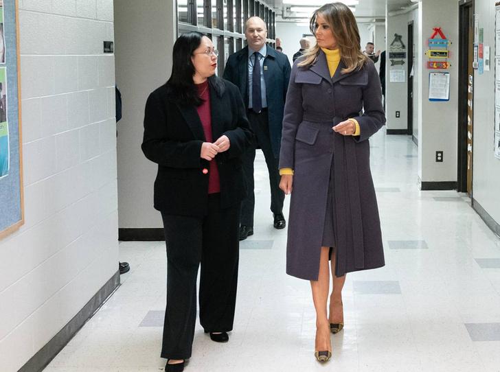 Фото №3 - Кто оплачивает гардероб Мелании Трамп?