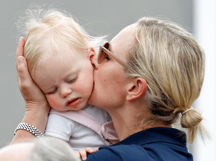 Фото №2 - Вслед за Сассекскими: внучка Королевы Зара Тиндолл планирует переезд в Австралию