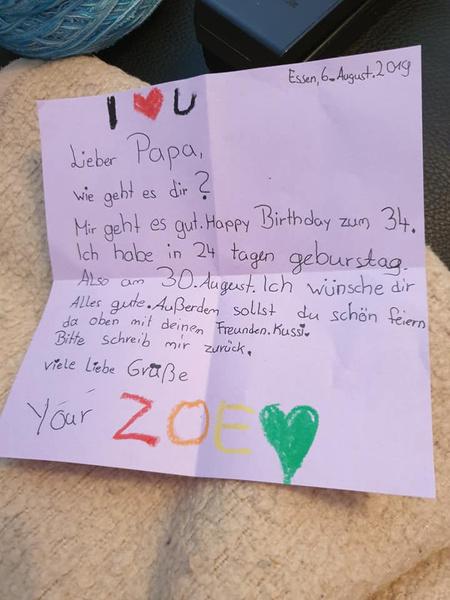 Зои написала письмо и отправила прямиком на небо.