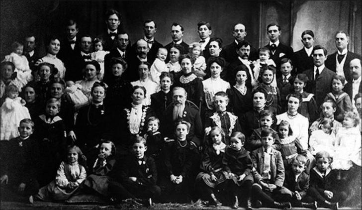 Самые многодетные семьи мира: 20 – не предел!