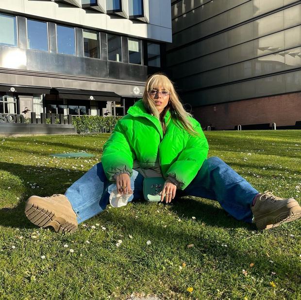 Фото №1 - Тренд весны 2021: зеленая куртка как у Данны Паолы