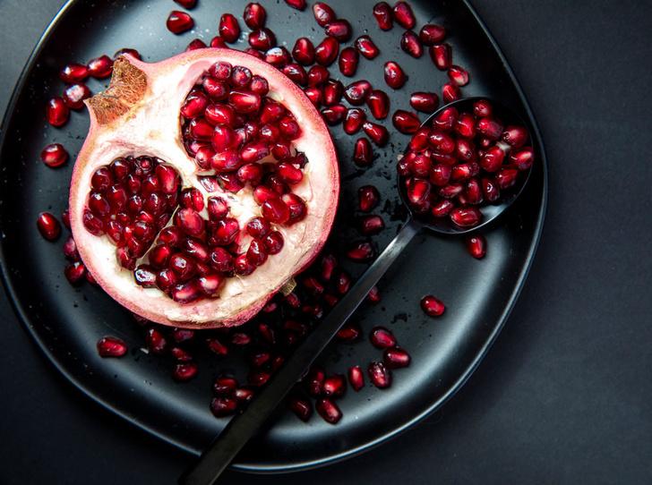 Фото №1 - Король вкуса: 5 рецептов блюд с гранатом