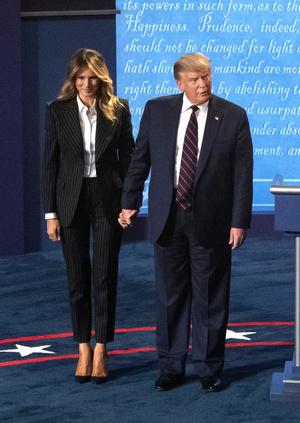 Фото №25 - Большая разница: как менялся стиль Мелании Трамп во время президентских кампаний мужа