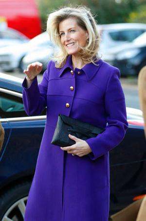 Фото №10 - Все оттенки сирени: как королевские особы носят фиолетовый цвет