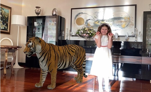 Фото №2 - Жасмин показала модницу-дочку