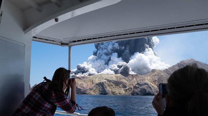 Фото №1 - В Новой Зеландии произошло смертельное извержение вулкана