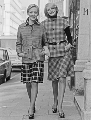 Фото №5 - Как менялась офисная мода: от классического костюма до латекса и кожи