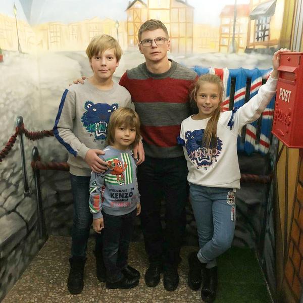 Фото №2 - Жена Аршавина требует от футболиста 4 млн рублей на алименты