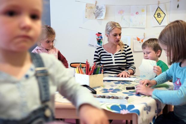 Фото №2 - 6 ошибок воспитателей, которые ломают психику ребенку