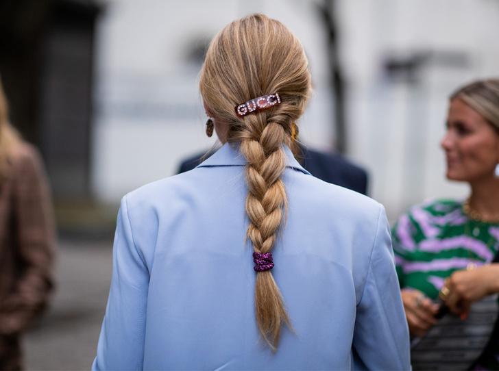 Фото №24 - Заколки, ободки и резинки: самые модные украшения для волос нового сезона