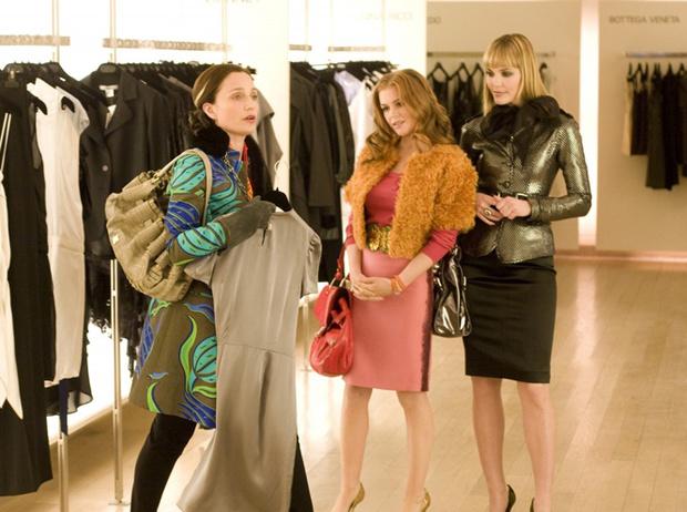 Фото №1 - 5 сексистских комплиментов от продавцов, на которые вы все еще покупаетесь