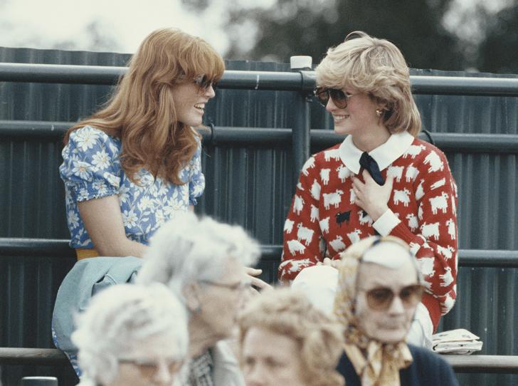 Фото №2 - Как принцесса Диана и Сара Фергюсон разыграли обитателей Букингемского дворца