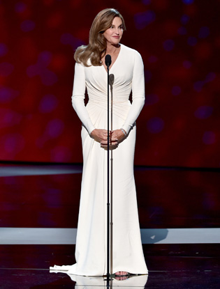 Фото №3 - Кейтлин Дженнер хочет выглядеть как Анджелина Джоли