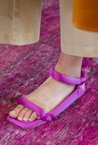 Фото №27 - Самая модная обувь весны и лета 2019