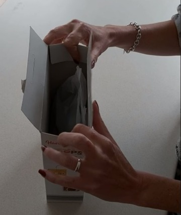 Фото №2 - Британка предложила лайфхак, как правильно закрывать коробки с крупами и хлопьями. Видео набрало 3,5 миллиона просмотров