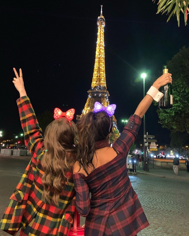 Фото №7 - Кино на выходных: сериал «Эмили в Париже»