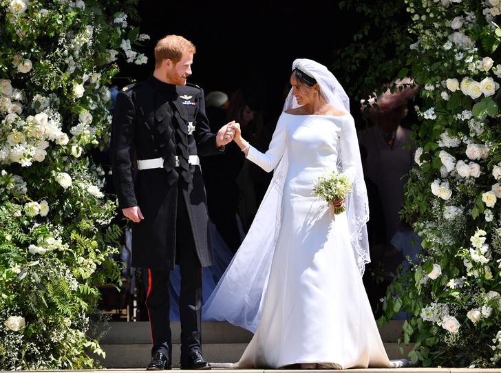 Фото №1 - Самый неожиданный секрет свадебного платья герцогини Меган