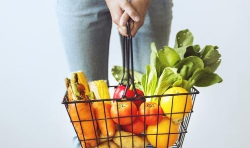Фото №1 - Больше трети россиян считают вегетарианство вредным для здоровья