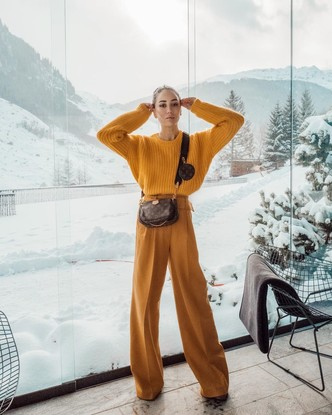 Фото №3 - С чем носить базовый джемпер: примеры стильных образов