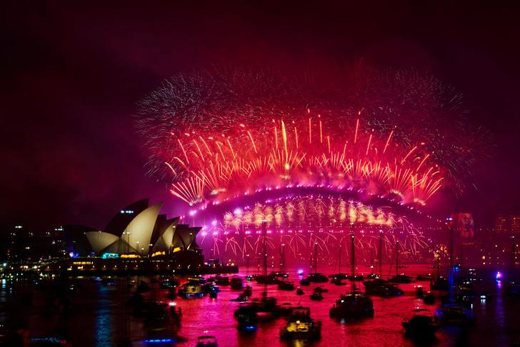 Фото №1 - Мир встретил Новый год