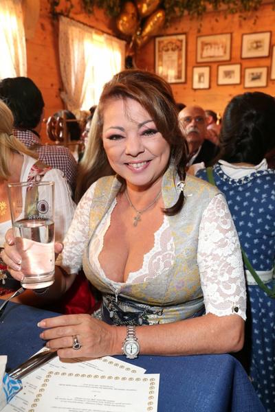 Фото №13 - Из сердца вон: что растеряла певица Сандра, пока искала женское счастье