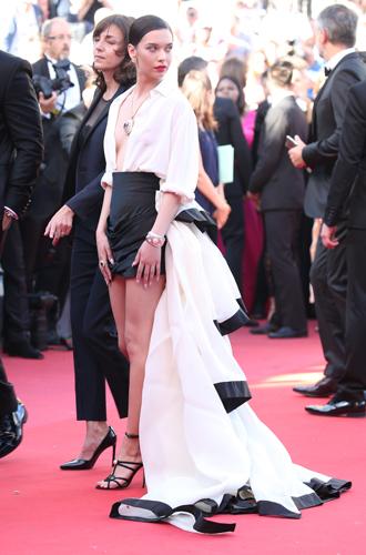 Фото №59 - Модные Канны-2017: Айшвария Рай, Рианна и другие красавицы вечера премьер 19 мая