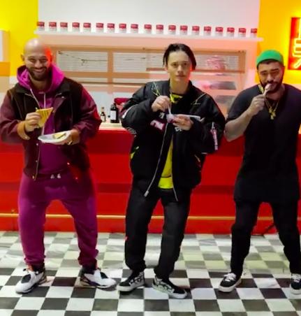 Фото №1 - Wow: Даня Милохин, Тимати и Джиган сняли совместное видео в TikTok