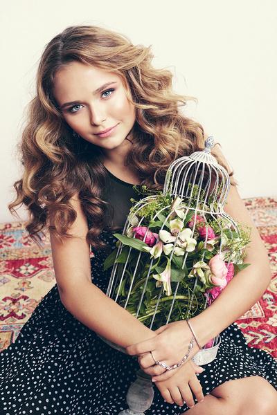 Фото №3 - Стеша Маликова: «Я живу так же, как живет любая девочка»