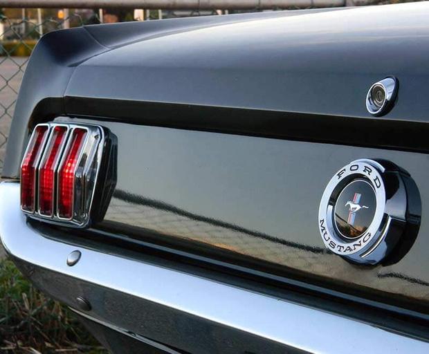 Фото №7 - Почему на старых автомобилях привычные вещи на непривычных местах