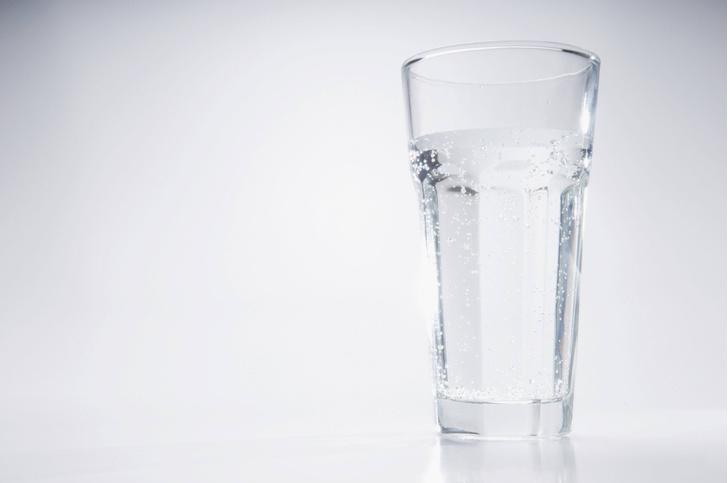 Фото №1 - Медики предупредили об опасности чрезмерного потребления воды