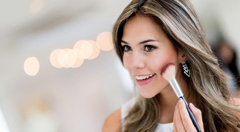 Чего хотят женщины, (не) делая макияж?