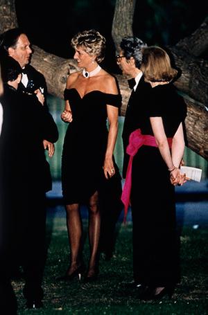 Фото №10 - Модная провокация: самые откровенные наряды принцессы Дианы