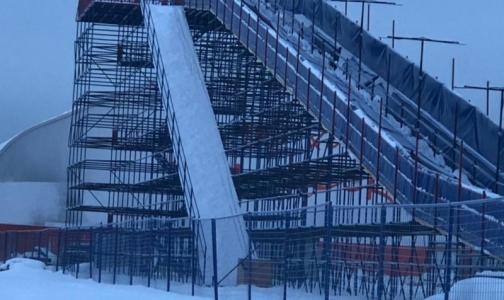 Фото №1 - В Купчино демонтируют небезопасную горку