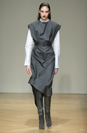 Фото №31 - И в тренде, и в офисе: 7 самых модных идей одежды для работы