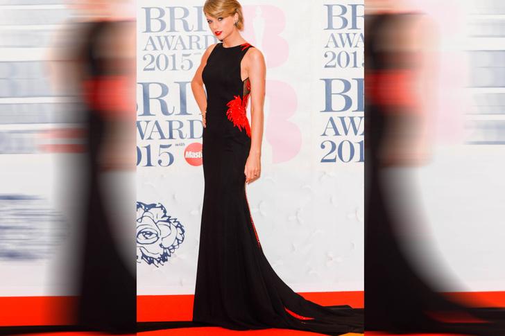 Тейлор Свифт на церемонии BRIT Awards, 2015 год