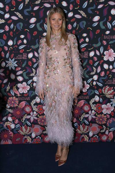 Гвинет Пэлтроу, платья звезд с пайетками, модный провал, странные образы с пайетками, блестки, пайетки