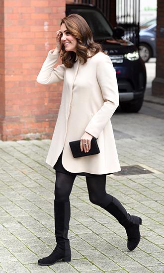Фото №3 - 5 причин, почему Кейт Миддлтон не ругают за мини-юбки